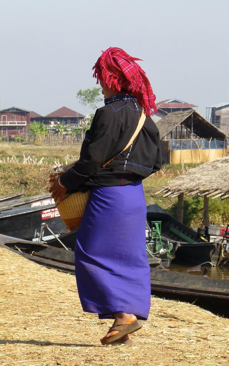 Burmese Lady to Market